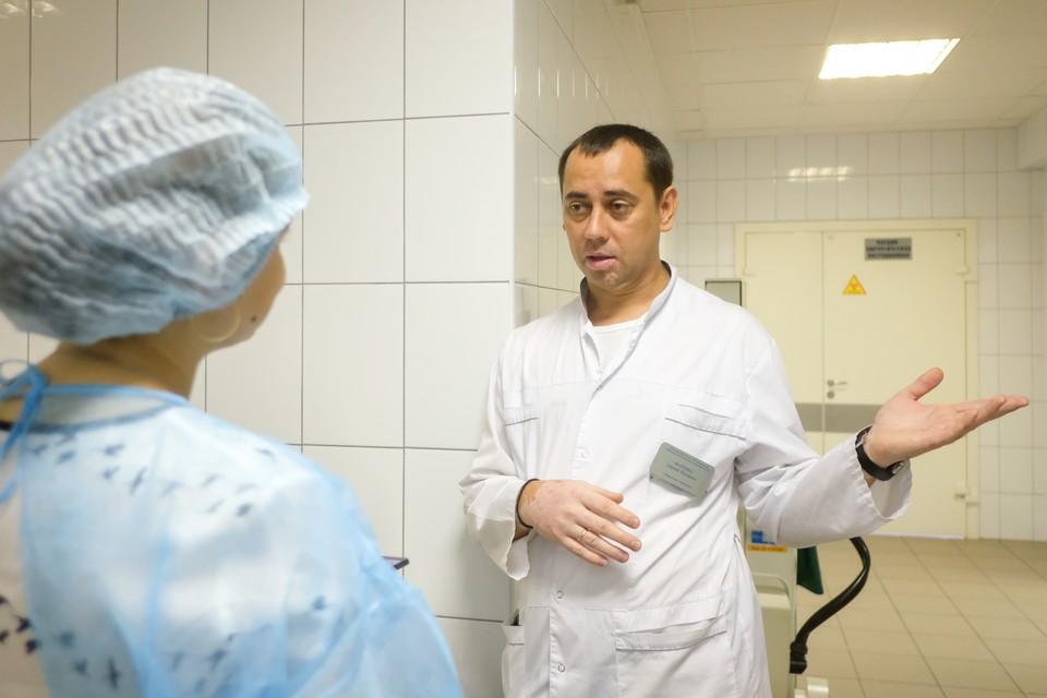 Заведующий отделением анестезиологии и реанимации НИИ скорой помощи Сергей Фалевко - один из тех, кто спас Наталью Алексеевну.