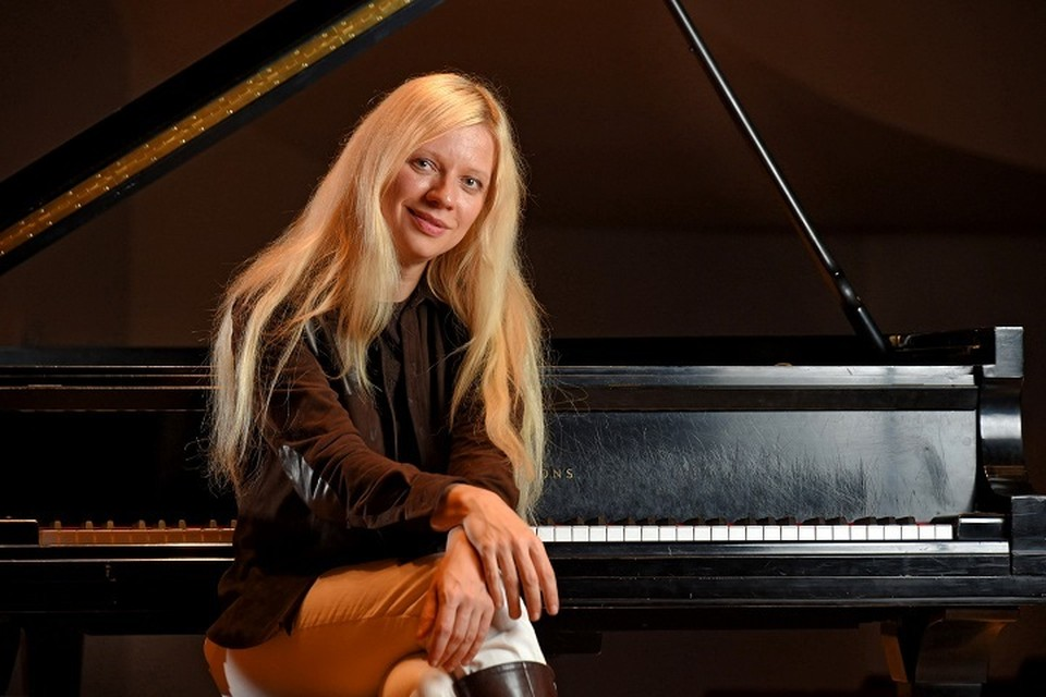 В мини-туре Валентины Лисицы прописаны сольные концерты и совместные с симфоническим оркестром. Фото: novorossia.su