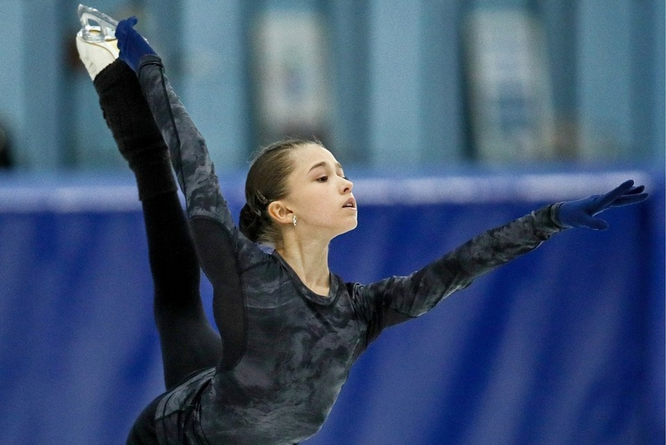 Камила Валиева стала лучшей на первом этапе Гран-при среди юниоров. Фото: Сергей Бобылев/ТАСС