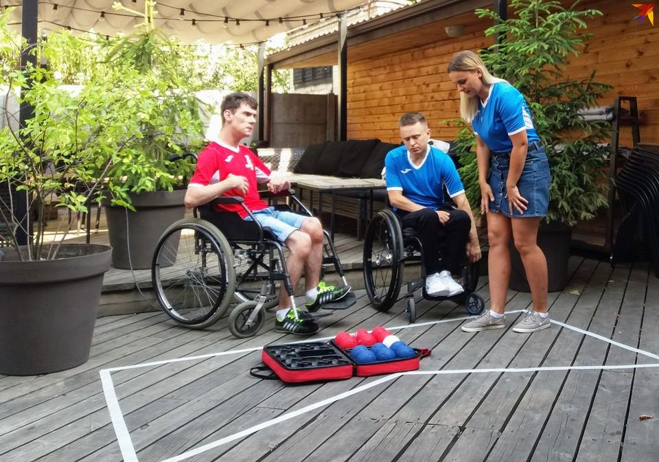 Игра в боччу доступна людям в инвалидных колясках – осталось их убедить не сидеть взаперти.