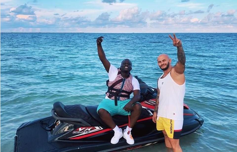 Из-за Урагана Дориан репер Джиган со своей семьей «запакован» на острове во Флориде