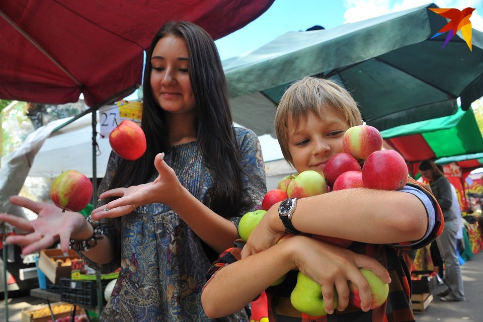 После урожайного 2019-го яблок на прилавках поубавилось