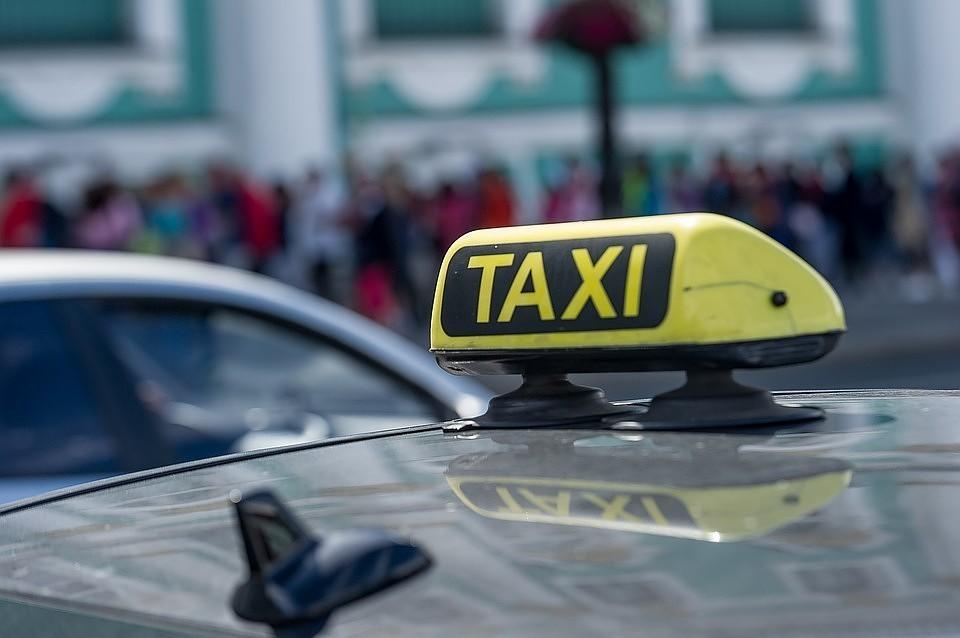 Треть водителей такси хотят знать о знаке зодиака своих пассажиров заранее.
