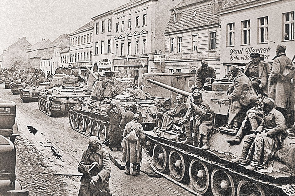 30 апреля 1945 года. Т-34 в Берлине. Фото: Анатолий Егоров/РИА Новости