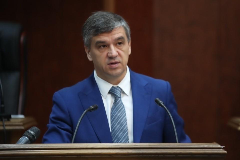 Новым председателем правительства стал опытный банкир Константин Суриков. Фото: пресс-служба главы и правительства РИ