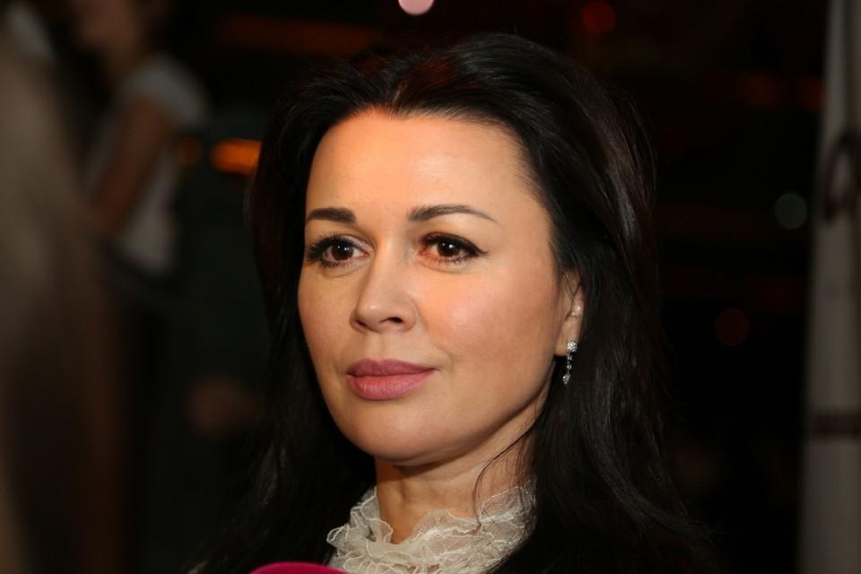Официальные представители Анастасии Заворотнюк больше не комментируют ее состояние