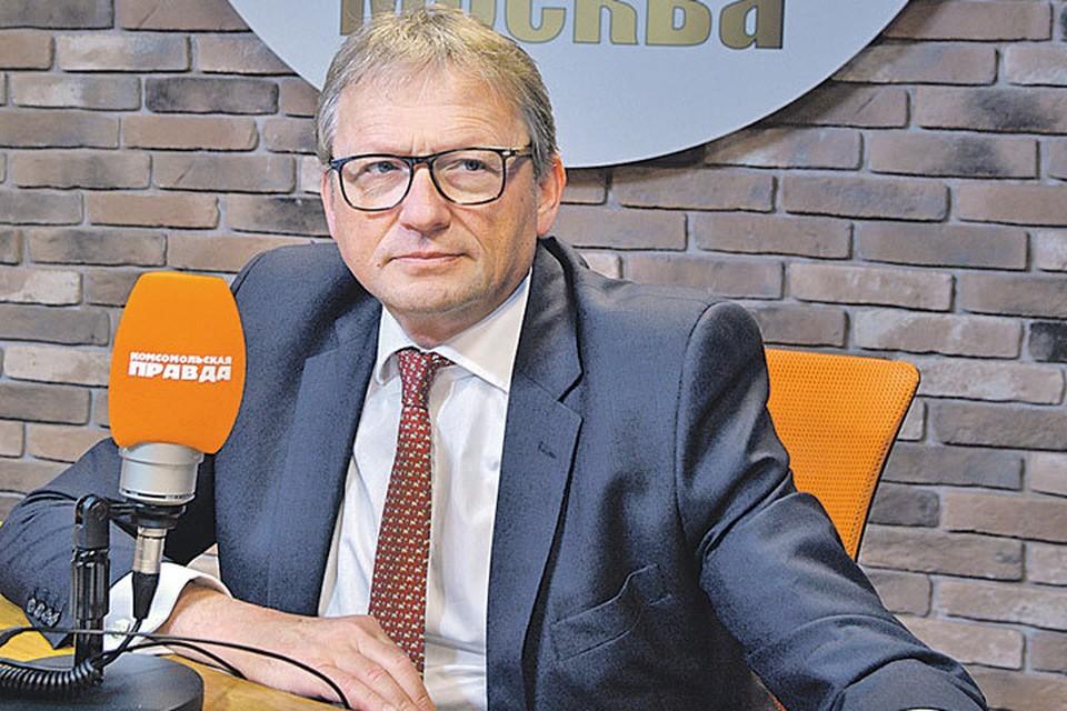 Борис Титов в студии Радио «Комсомольская правда» (97,2 FM).
