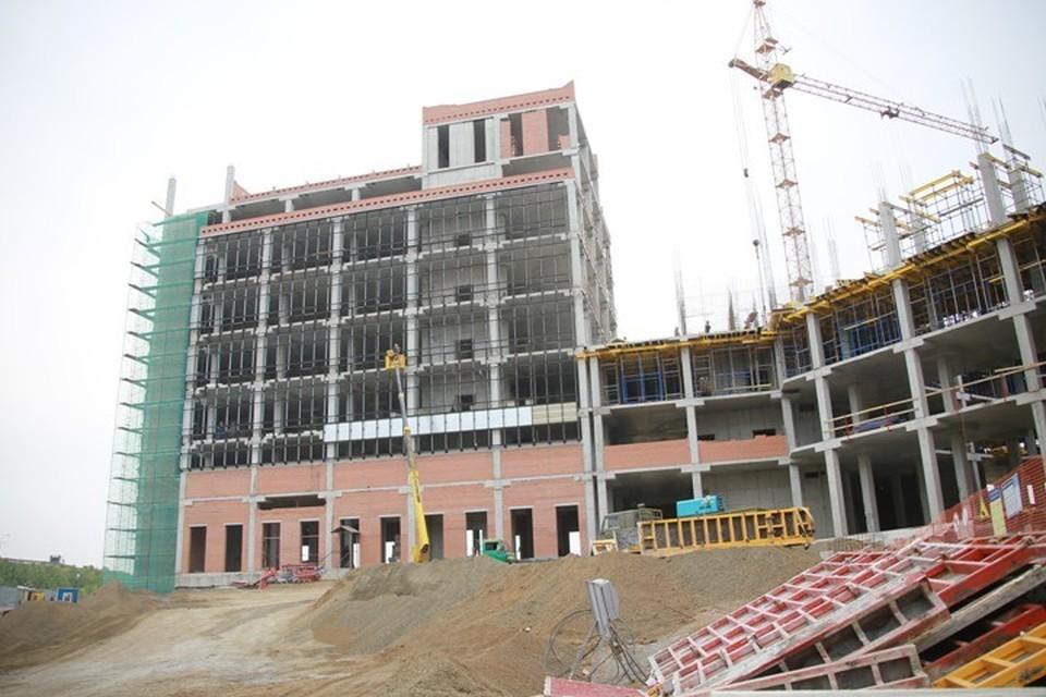 Сергей Цивилев объехал крупные строительные площадки в Кемерове.ФОТО: Пресс-служба АКО
