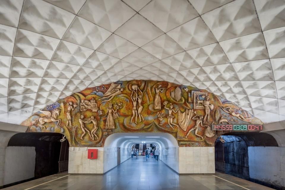 Станция «Технический университет» в Тбилиси. Открыта в 1979 году. Фото: Christopher Herwig/FUEL