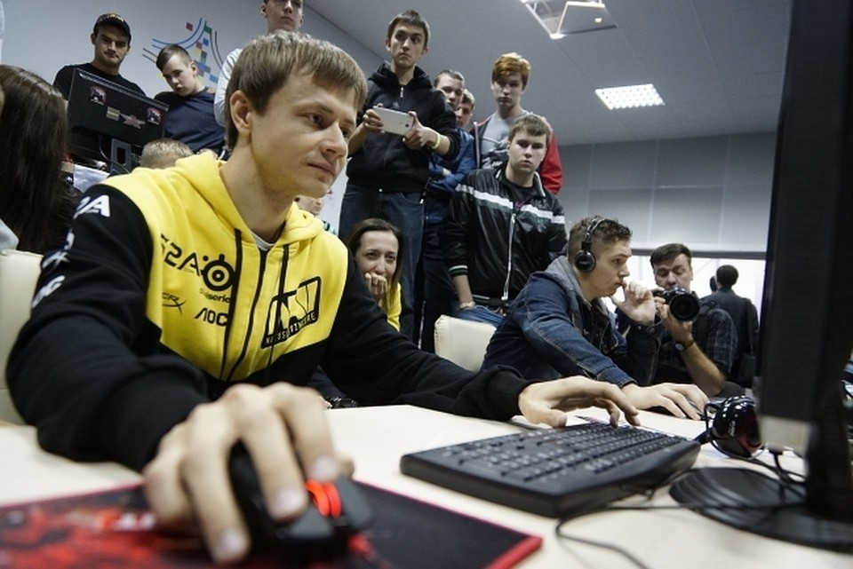 Эксперты выяснили, сколько зарабатывают и тратят геймеры