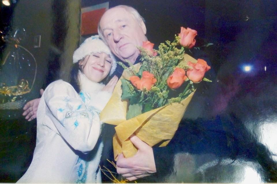 Корреспондент «КП» нарядилась Снегурочкой и пыталась «блистать» рядом с мэтрами