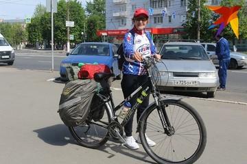 С погодой не повезло, но всем остальным довольна: 78-летняя тверичанка Юлия Михайлюк проехала на велосипеде от Нарьян-Мара до Крыма
