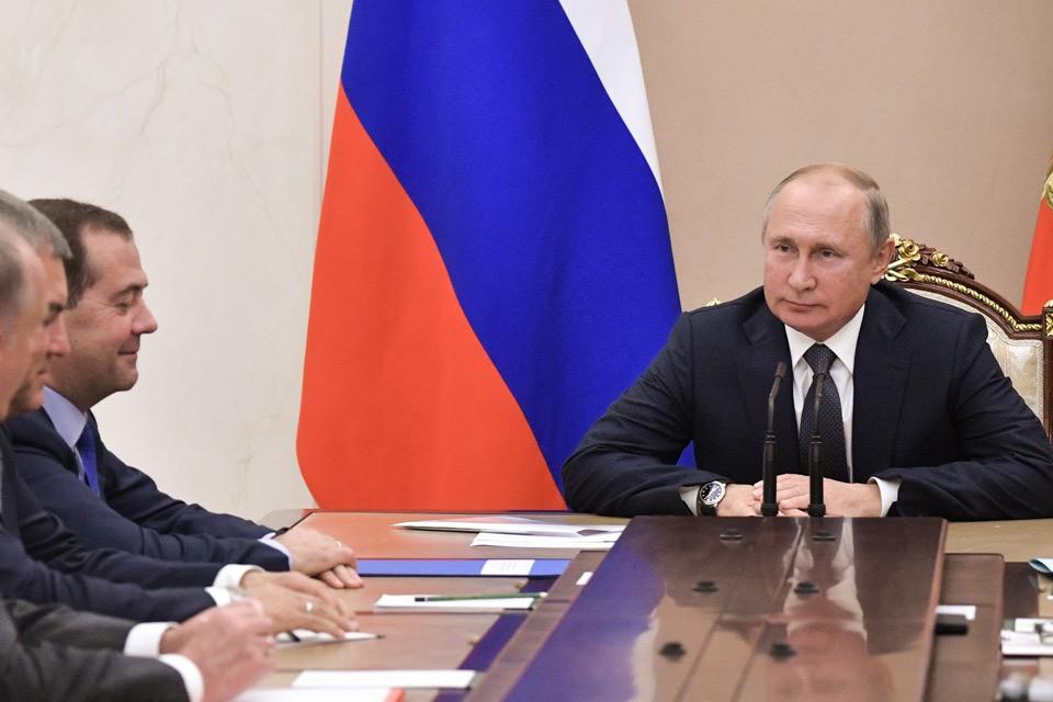 Президент РФ Владимир Путин на совещании с постоянными членами Совета безопасности РФ в Кремле. Фото Алексей Никольский/пресс-служба президента РФ/ТАСС
