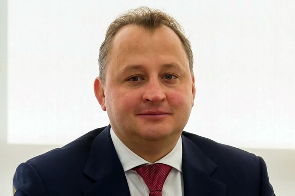 Игорь Чечиков выпал со второго этажа своего коттеджа