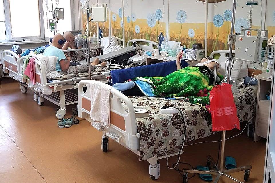Пациенты в палате НИИ «Блохина».