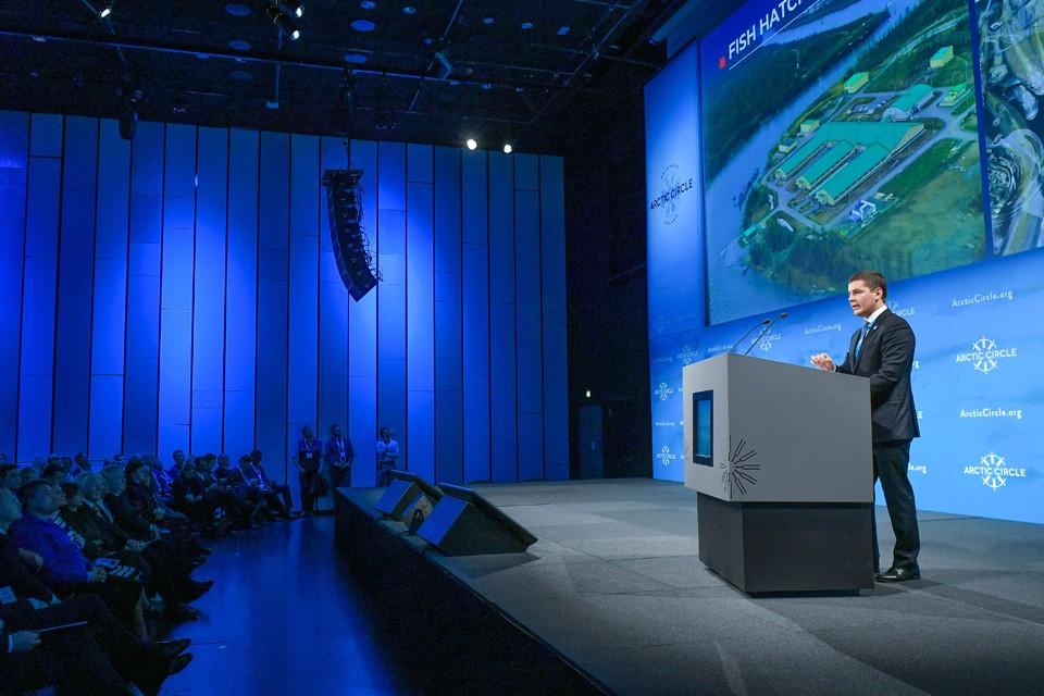 Выступление главы Ямало-Ненецкого округа вызвало живой интерес у собравшихся.