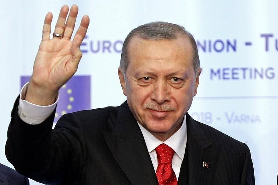 Эрдоган заявил, что Турция не боится санкций из-за операции в Сирии
