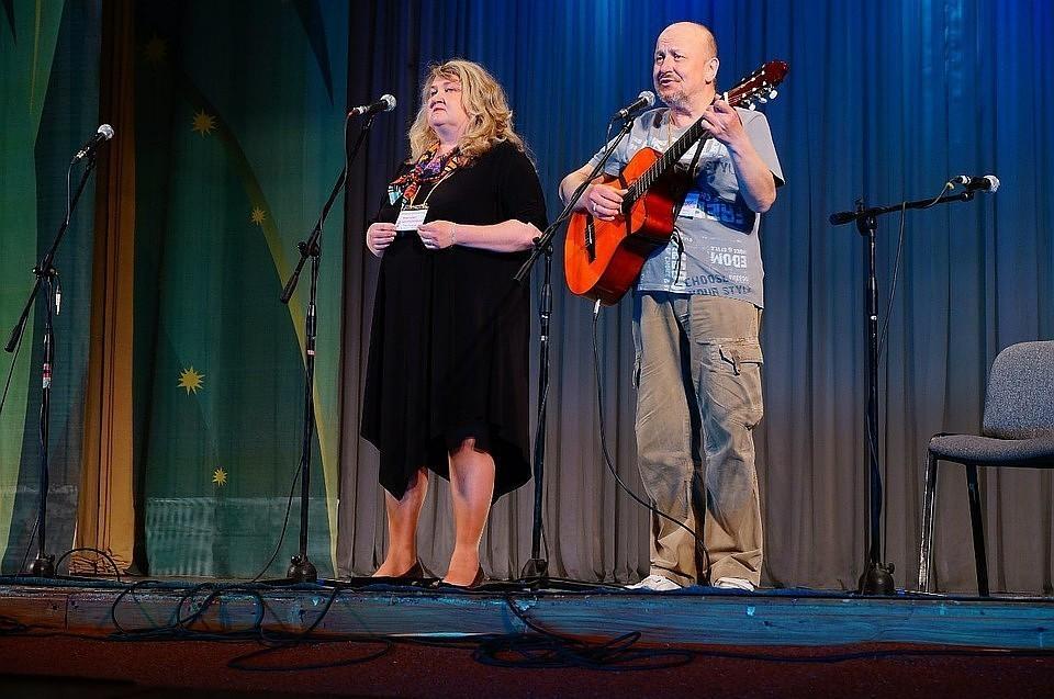Фото vk.com. Марина Щербинина и ее муж Александр Виноградов были известными в Коми бардами
