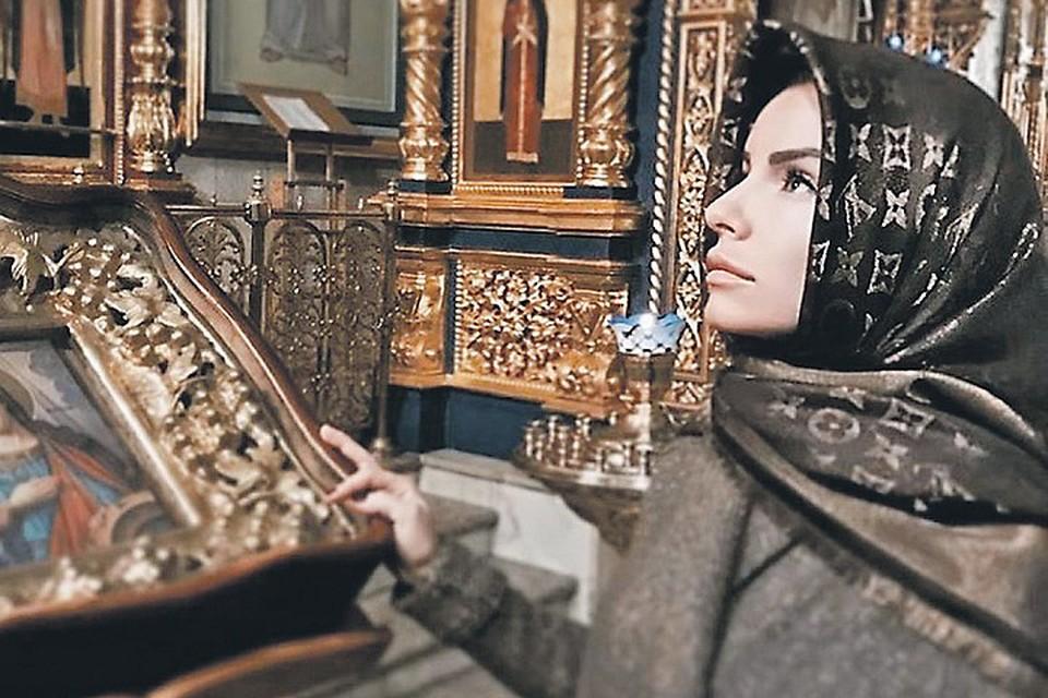 Юля Волкова проделала длинный путь от хулиганства на сцене, через ислам к православию