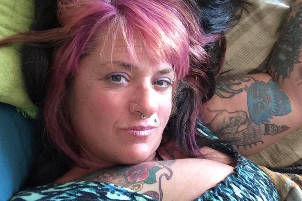 Женщина полностью признала себя виновной в домашнем насилии