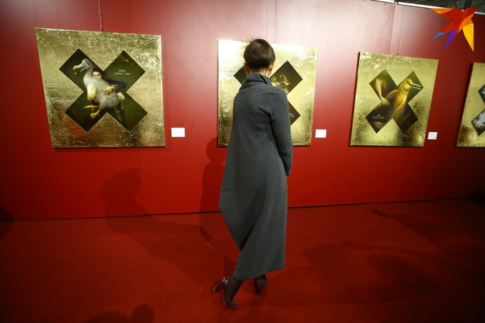 На выставке представлены независимые художники и галереи