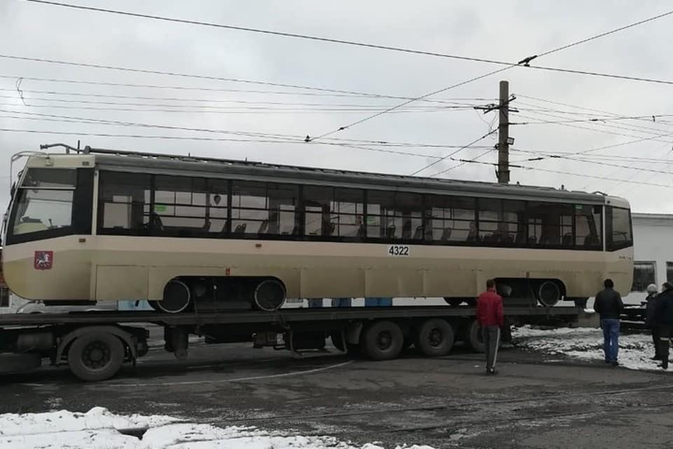 В Прокопьевск прибыли трамваи из Москвы. ФОТО: vk.com, Андрей Мамаев