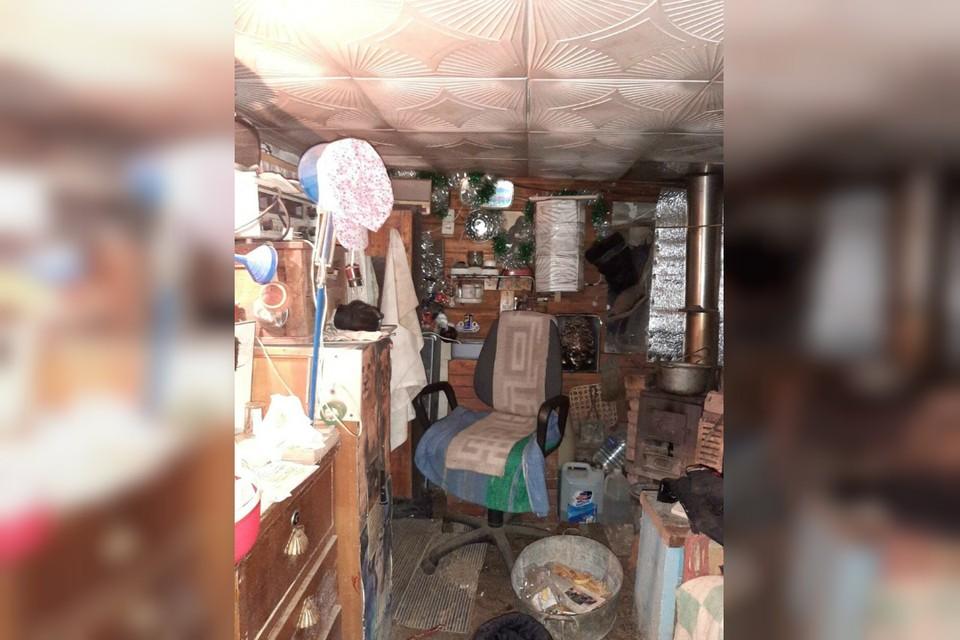 Тот самый гараж, где совершилось преступление. Фото: СУ СКР по Кировской области