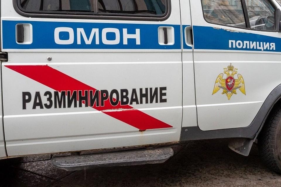 Анонимки стали причиной эвакуации трех вузов Петербурга.