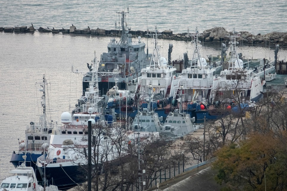 Возвращая катера, участвовавшие в провокации в Керченском проливе, российская сторона демонтировала … унитазы на катерах.