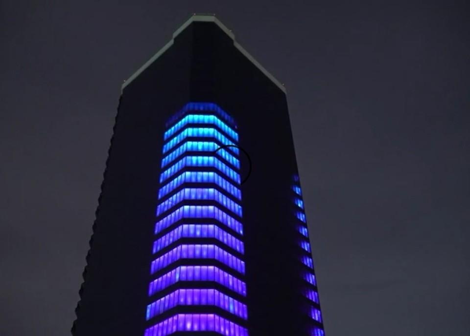 Башня на Стрелке засияла огнями Фото: стопкадр с видео