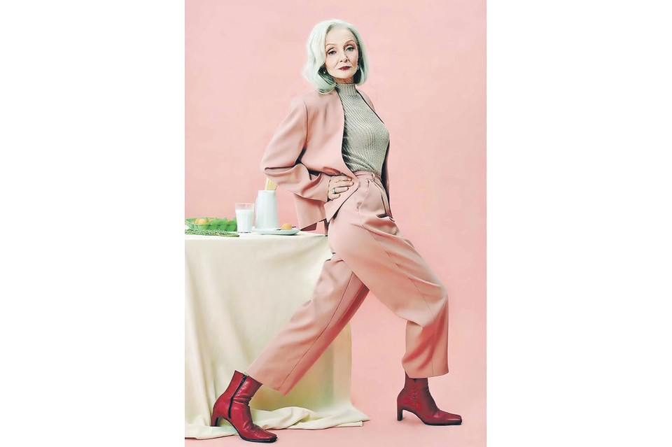 Пенсионерка стала настоящей моделью - снимается для российских брендов одежды, выходит на подиум и участвует в показах в России, Китае и Испании. Фото: instagram.com/valentinayasen