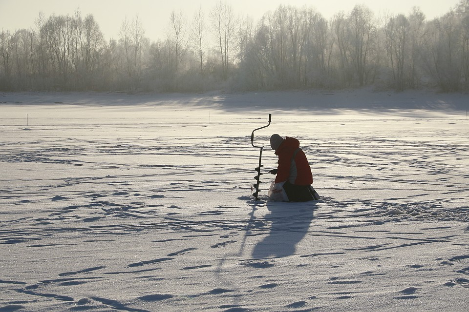 Спасатели просят самарцев не выходить на лед
