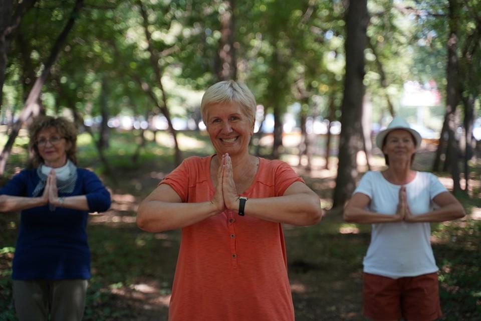 С годами сократилась разница в количестве долгожителей-женщин и долгожителей-мужчин