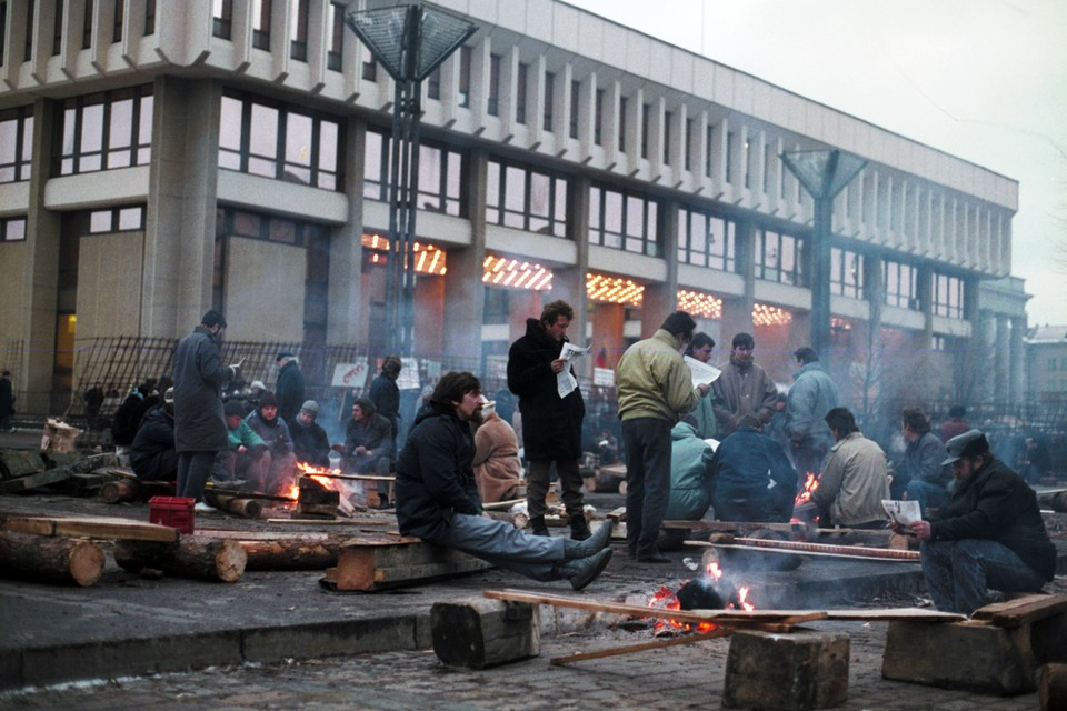 В 1991 году в Вильнюсе случилась первая цветная революция на территории СССР по сценарию американского ученого Джина Шарпа