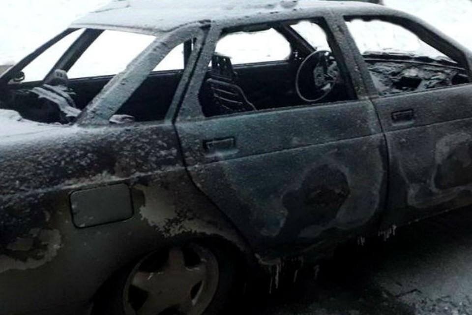 Поджигатель из Братска ночью спалил три автомобиля за один час.