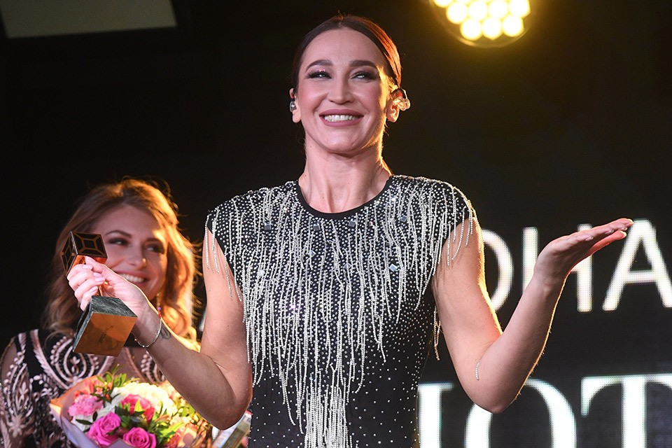 Ольга Бузова оконфузилась на премии «Золотой хит».