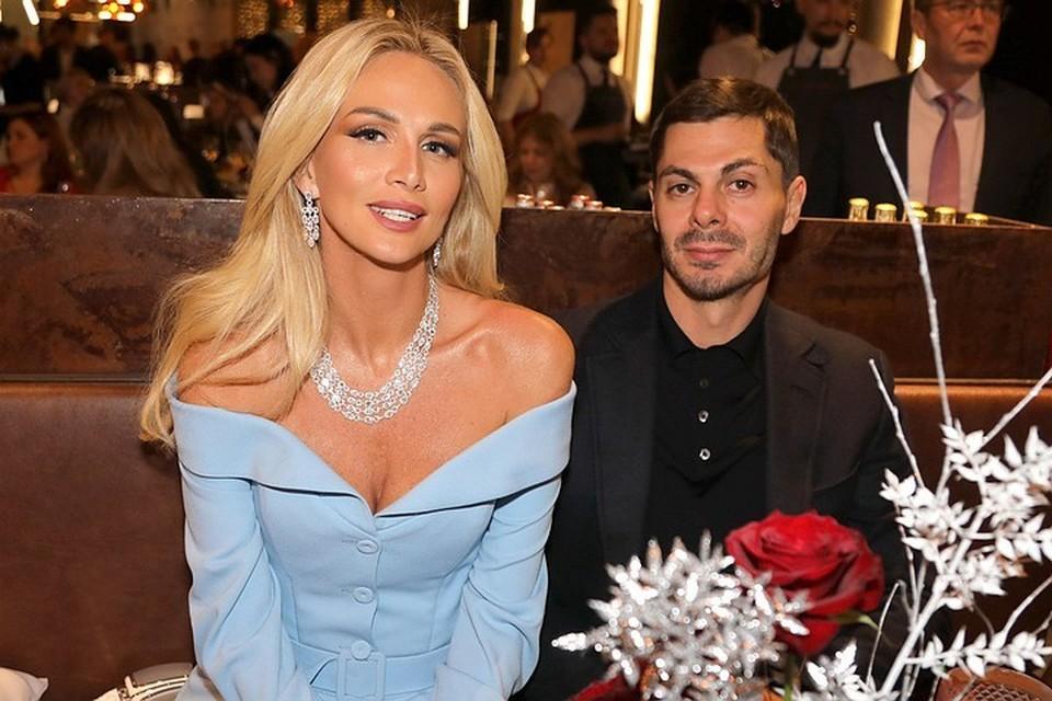 Виктория Лопырева и ее муж бизнесмен Игорь Булатов.