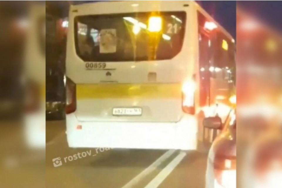 Ростовская маршрутка грубо нарушила ПДД, Фото: соцсети