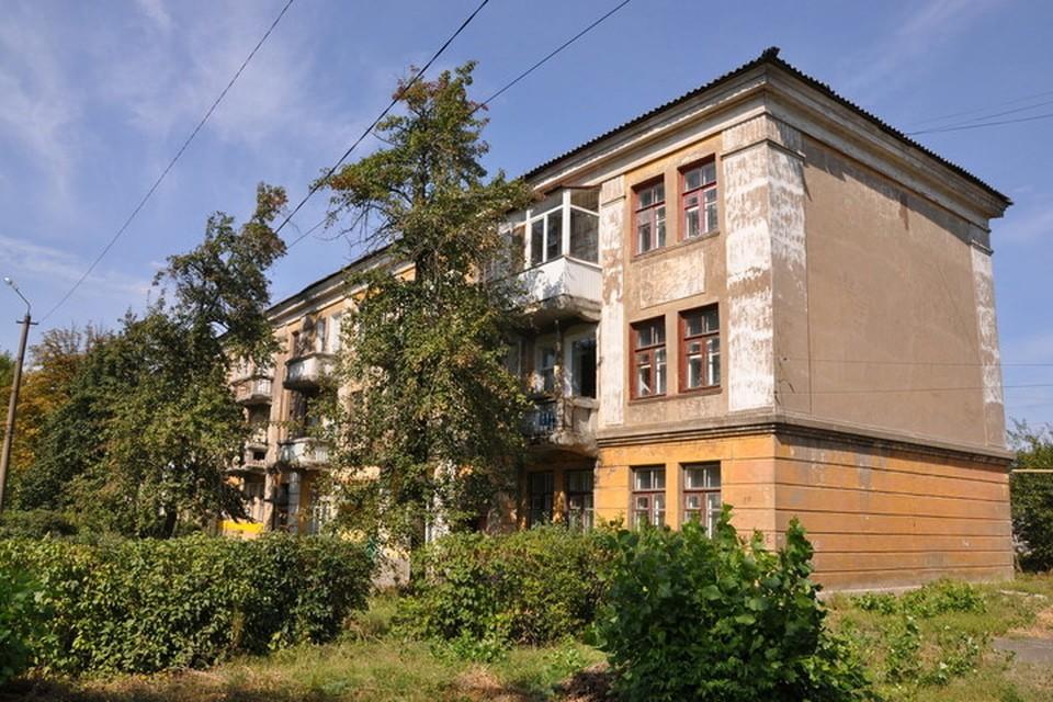 В Часов Яре много зданий, которым необходим ремонт. Фото: svoi.city