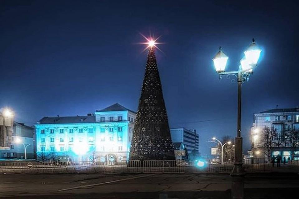 Луганск готовится к Новому Году. Фото: https://www.instagram.com/i_love_lugansk/