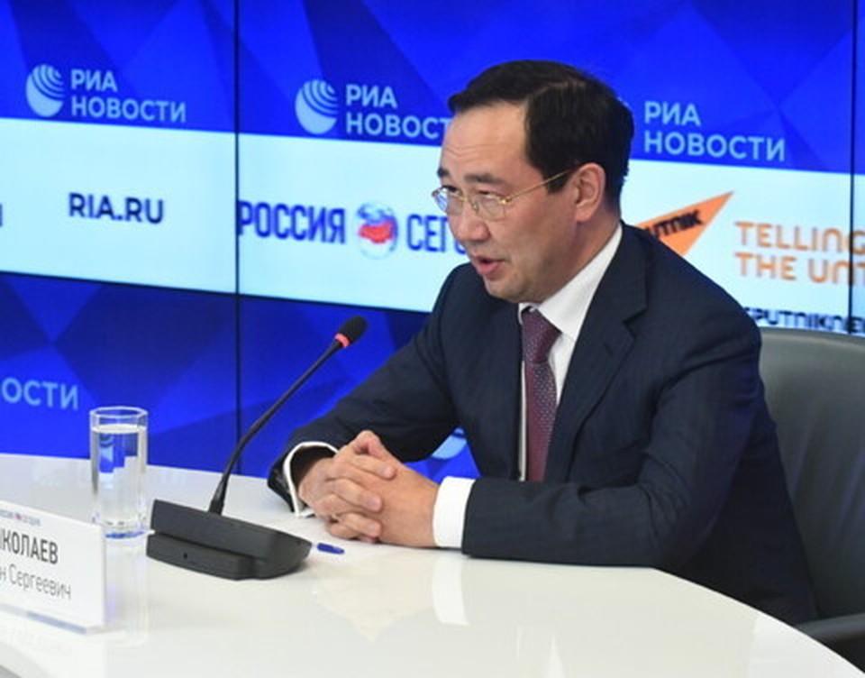 Айсен Николаев считает, что мост через Лену обеспечит автомобильный выход на Охотское море и Тихий океан. Фото предоставлено пресс-службой правительства Якутии.