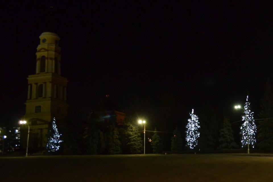 """Ночью """"БМВ"""" снес ворота Христорождественского собора в Липецке"""