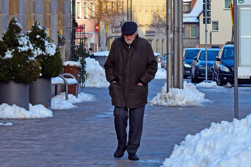 Принесла ли пенсионная реформа доходы бюджету ФСЗН, пока говорить рано. Но пенсионеров стало чуть меньше. Фото:pixabay.com.