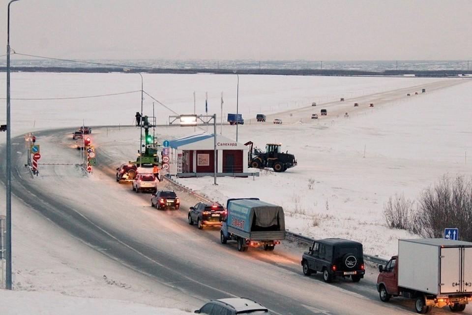На главной ледовой переправе Ямала повышена грузоподъемность Фото: департамента транспорта и дорожного хозяйства ЯНАО