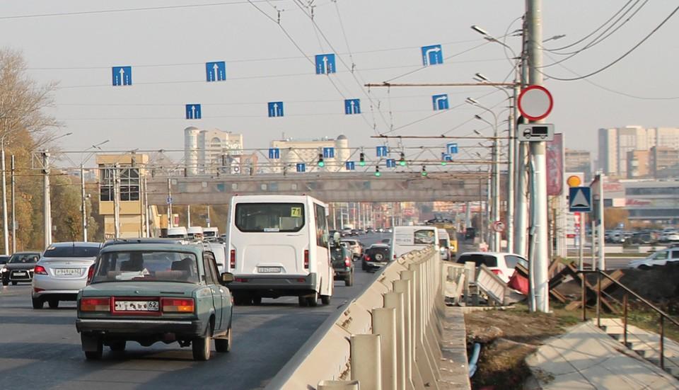 Коммерческий общественный транспорт Рязани начал массово провозить горожан по льготным картам с 2017 года