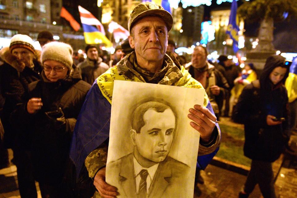 В честь 111-летия со дня рождения Степана Бандеры в Киеве состоялось факельное шествие.