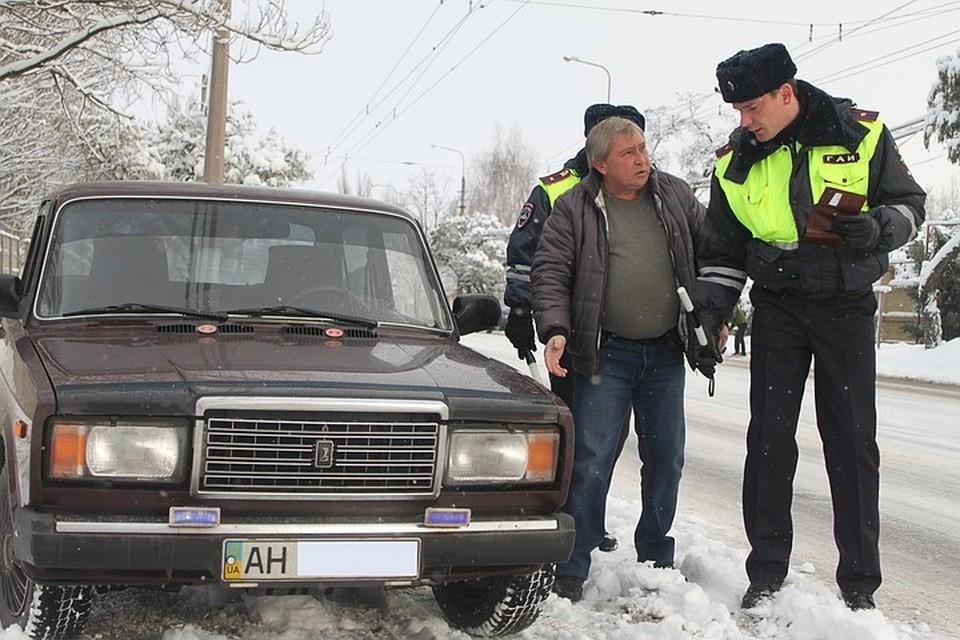 За нарушение закона придется заплатить штраф, а машину могут временно задержать