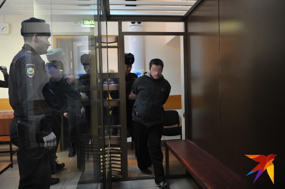 В ночном клубе в центре Рязани двое парней изнасиловали девушку.