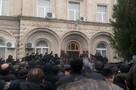 Протестующие в Абхазии захватили дворец президента республики