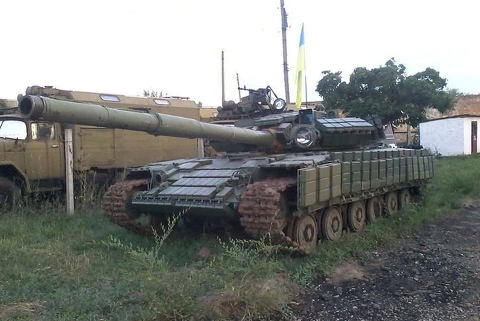 Украинские боевики пригнали пять бронетранспортеров в прифронтовые поселки. Фото: ВКонтакте